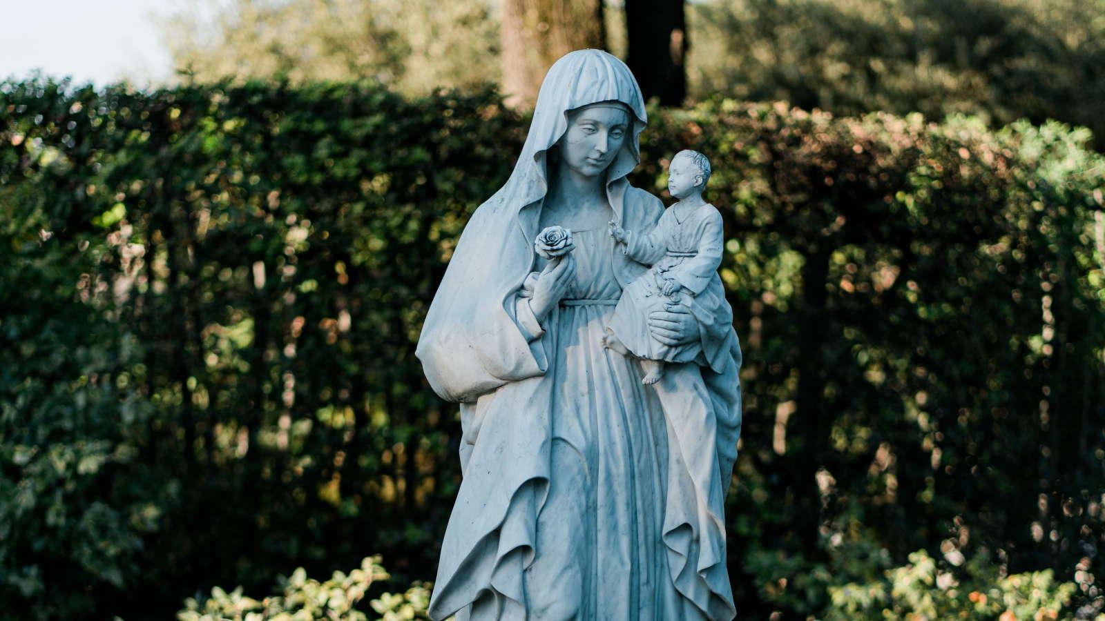 Foto: Hl. Maria und Jesus